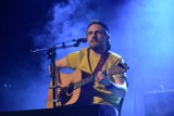 Barcin. Paweł Domagała zagrał i zaśpiewał na scenie Miejskiego Domu Kultury [zdjęcia]