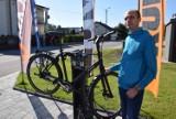 Pierwsza w Wieluniu samoobsługowa stacja naprawy rowerów. Jest też ładowarka jednośladów elektrycznych FOTO