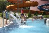 Tłumy gości w aquaparku Aquadrom w Rudzie Śląskiej. Jakie atrakcje proponuje wodny park rozrywki?