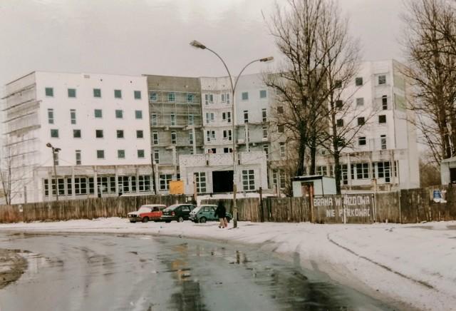 Przemyśl i okolice dawniej. Nz. budowa hotelu przy Wybrzeżu Piłsudskiego w Przemyślu.