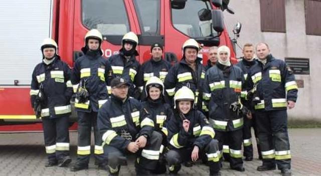 Druhowie z OSP w Lisewie i Unisławiu mają powody do radości. Pierwsi pozyskali dofinansowanie, drudzy - nowy wóz strażacki.