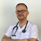 Maseczki powodują grzybicę płuc? - To bzdura wyssana z palca - pulmonolog dr Arkadiusz Brodowski