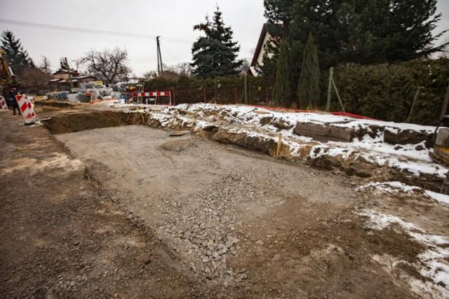 Trwa rozbudowa ulicy Klasztornej na odcinku od Żaglowej do ronda przy moście Wandy