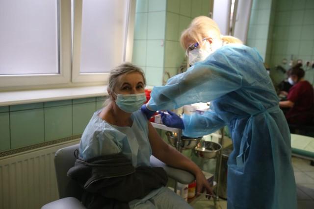 Punkt szczepień przeciwko COVID-19 w Katowicach.