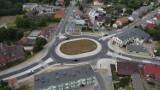 Zobacz nowe rondo w Margoninie z lotu ptaka. Budowa właśnie dobiegła końca. Dużo wygodniejsze skrzyżowanie w centrum Margonina