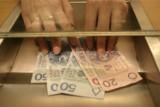 Płaca brutto i netto w 2022 roku - stawki. Takie zarobki będą mieć Polacy po reformie podatkowej PiS