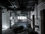 Zobacz opuszczony szpital we Wrocławiu. Przerażające zdjęcia z wnętrza wykonane smartfonem (10.9)
