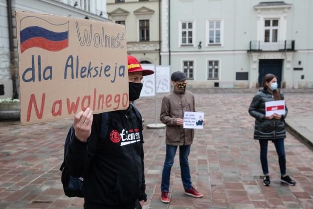 W środę (21 kwietnia) na placu św. Marii Magdaleny w Krakowie odbył się wiec poparcia dla rosyjskiego opozycjonisty Aleksieja Nawalnego.