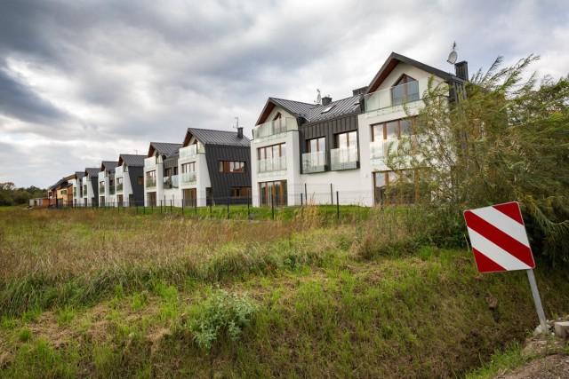 Nowe osiedle domów jednorodzinnych w Toniach