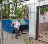 Burmistrz Lublińca jak Bob Budowniczy - rozwalił miejski garaż!