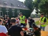 Chłopaki z Dronujemy Pleszew odwiedzili pleszewskie szkoły. Młodzież mogła z bliska obejrzeć drony i poznać ciekawostki z nimi związane