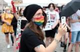 Radni Grudziądza większością głosów przyjęli deklarację solidarnościową z osobami LGBT+. Gładko jednak nie było...