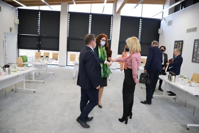 Burmistrzowie i wójtowie gmin powiatu lublinieckiego spotkali się w Lubitece. O czym rozmawiali?