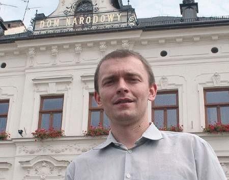 Bogdan Słupczyński, szef Cieszyńskiego Studia Teatralnego, wypatrzył dwie osoby, które mają szansę u niego zaistnieć.  WOJCIECH TRZCIONKA