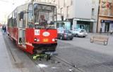 Katowice: Zderzenie hulajnogi z tramwajem. Mężczyzna w ciężkim stanie. Poszukiwani świadkowie