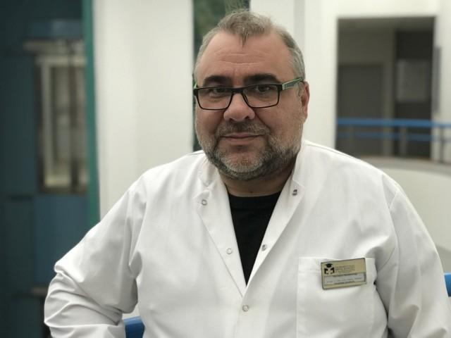 Z profesorem Jarosławem Drobnikiem, naczelnym epidemiologiem Uniwersyteckiego Szpitala Klinicznego we Wrocławiu, rozmawiamy o nadejściu czwartej fali, próbie zatrzymania jej oraz trzeciej dawce szczepionki.