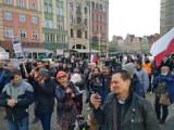 Zobacz zdjęcia z marszu wolności we Wrocławiu. Były tłumy koronasceptyków