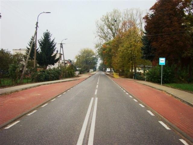 Kierowcy mogą już komfortowo  jeździć  zmodernizowaną drogą Kokocko - Dębowiec - Dąbrowa Chełmińska