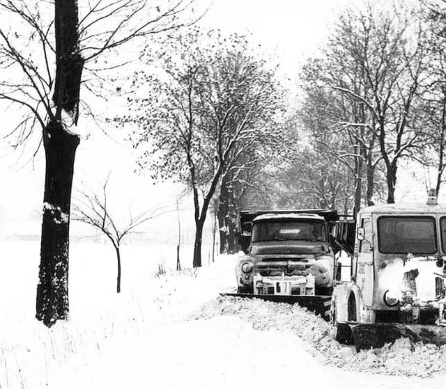Jedna z najbardziej siarczystych zim miała miejsce w Polsce na przełomie 1962/1963 roku. Panował ostry mróz (temperatura spadała nawet do - 35 stopni C!), dokuczały śnieżyce, zawieje i zamiecie