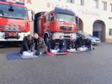 Strażacy i policjanci uczyli jak udzielać pierwszej pomocy