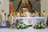 Biskup Białogłowski zawierzył diecezję rzeszowską podczas mszy św. w kościele Skołyszynie [ZDJĘCIA]