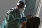 Wzrost zakażeń koronawirusem w całym kraju. Ile zarażeń przybyło w Lubelskiem? Sprawdź najnowszy raport ministerstwa zdrowia
