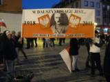 Marsz Patriotów 2011 vs. Porozumienie 11 listopada w centrum Wrocławia [RELACJA NA ŻYWO]