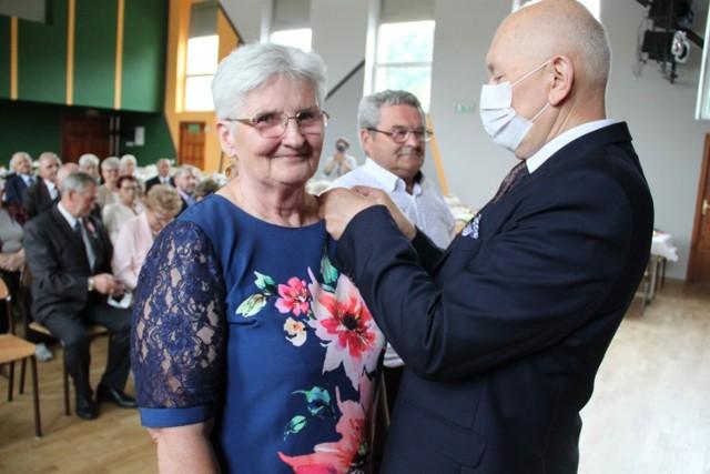 Złote gody w Moszczenicy. Jubileusz 50-lecia pożycia małżeńskiego świętowały 24 pary