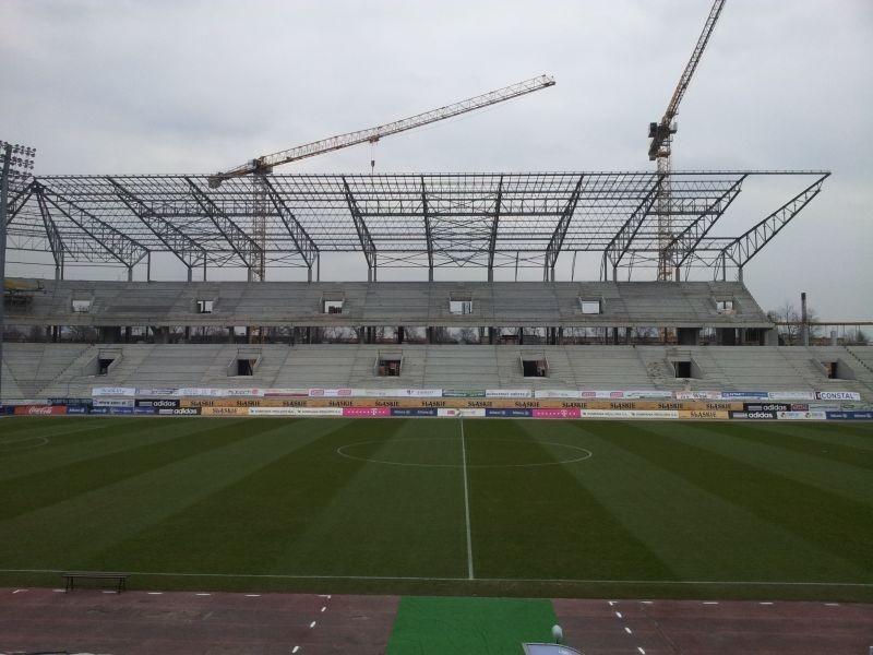 Budowa stadionu w marcu 2013