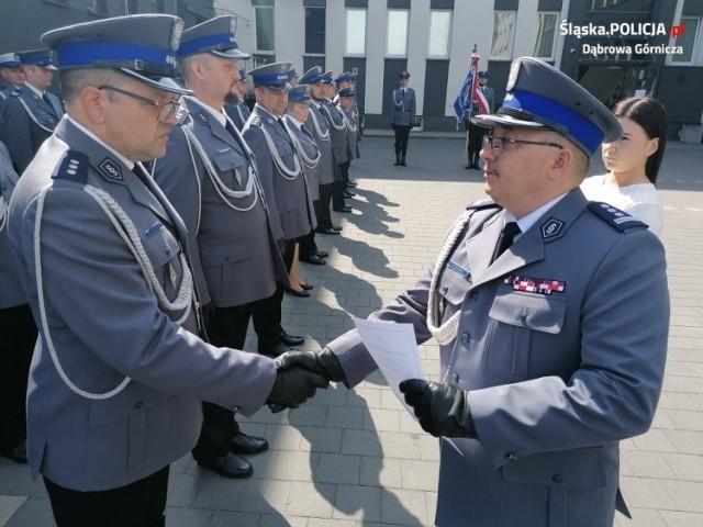 Święto policjantów w KMP w Dąbrowie Górniczej   Zobacz kolejne zdjęcia/plansze. Przesuwaj zdjęcia w prawo - naciśnij strzałkę lub przycisk NASTĘPNE