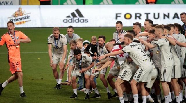 Legia Warszawa za sezon 2020/2021 zgarnęła największą nagrodę od Ekstraklasy S.A. - prawie 30 milionów złotych