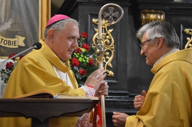 Dzwon Warneńczyka na wieży kościoła farnego w Piotrkowie zabił na inaugurację Misji Miłosierdzia