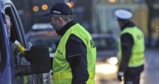 Policjanci z krośnieńskiej drogówki zatrzymali mężczyznę, który kierował samochodem bez uprawnień. Do tego 28-latek był pod wpływem narkotyków.