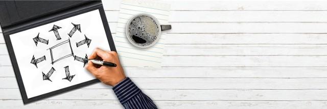 """Polacy chcą pracować w logistyce, transporcie, spedycji i sprzedaży – wynika z danych serwisu do przeglądania ogłoszeń Gratka.pl za wrzesień 2018. W pierwszej dziesiątce zawodów, które cieszyły się największym zainteresowaniem wśród użytkowników serwisu, znalazły się aż trzy profesje związane z logistyką, transportem i spedycją. Internauci odwiedzający Gratkę najczęściej przeglądają oferty pracy dla tzw. blue collars, czyli """"niebieskich kołnierzyków"""" – pracowników fizycznych, specjalistów zawodowych, pracowników handlu, logistyki, usług czy administracji. Zobacz, jakie stanowiska były najczęściej poszukiwane na Gratka.pl."""