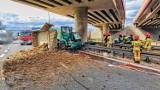Kraków. Wypadek śmiertelny na A4 przy węźle z zakopianką. Ciężarówka roztrzaskała się o filar wiaduktu