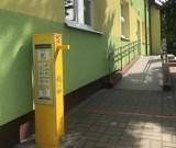 Radwanice: Przy przedszkolu i urzędzie gminy stanęły dozowniki z płynem do dezynfekcji