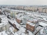 Dobiega końca budowa ponad 300 mieszkań w historycznej lokalizacji. Wśród nich nietypowe apartamenty trzypiętrowe