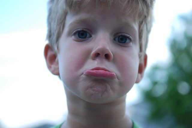 Jak reagować na płacz dziecka?