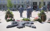 Obchody rocznicy zakończenia II wojny światowej na placu Litewskim. Zobacz zdjęcia