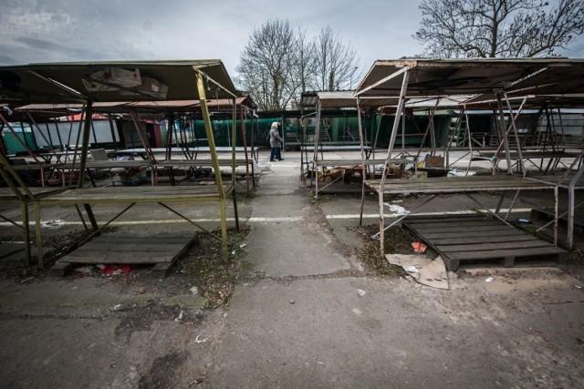 Równo rok temu, 4 marca 2020 roku, potwierdzono pierwszy przypadek zakażenia koronawirusem w Polsce. Wówczas wielu z nas wówczas nie przypuszczało, jak mocno zmieni się nasze życie w kolejnych tygodniach i miesiącach.  Tak wyglądał Koszalin i region w pierwszych tygodniach pandemii.