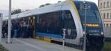 Pociąg Opole-Nysa regularnie się spóźnia i jest zatłoczony. Uczniowie nie zdążają do szkół, a rodzice do pracy