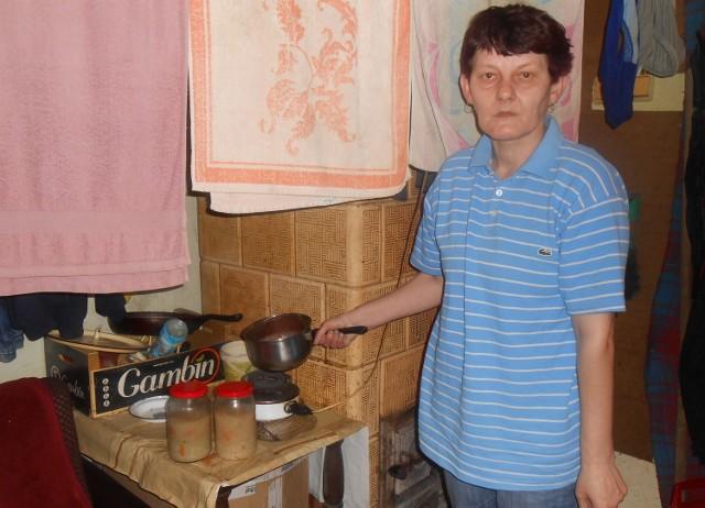 Lucyna Tokarz wynajmuje niewielkie pomieszczenie bez kuchni i łazienki przy ul. Solnej w Bochni