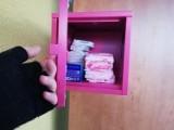Radny Jacek Niedźwiedzki chce, by w szkołach pojawiły się różowe skrzyneczki