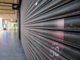 Sklepy otwarte w majówkę 2 maja 2021. UWAGA! Trzy dni bez zakupów. Jak będą czynne sklepy w długi majowy weekend? 2.05.2021