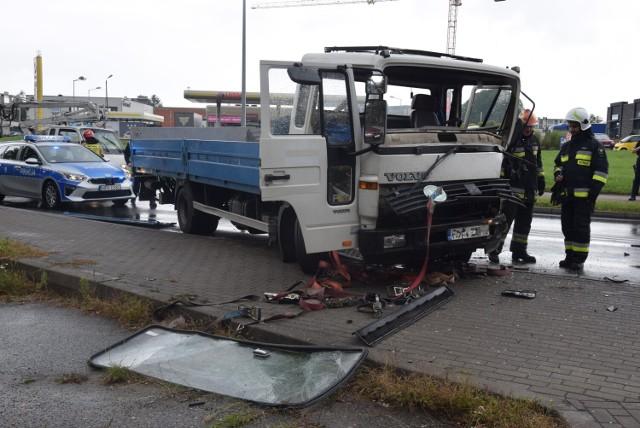 Zderzenie dwóch ciężarówek na ulicy Podmiejskiej w Kaliszu