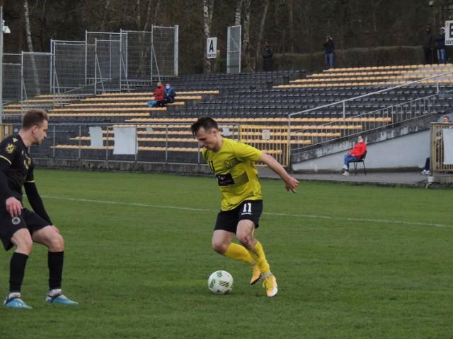 Do końca rozgrywek pozostało jeszcze dziesięć spotkań. Nielba wciąż walczy o utrzymanie w lidze.