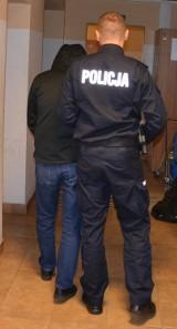 Pruszcz Gdański: Trzech mężczyzn poszukiwanych listami gończymi zatrzymanych przez policjantów