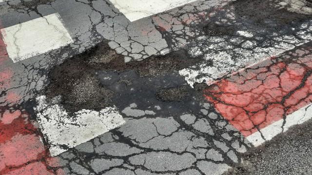 Ulice w Kaliszu są dziurawe jak szwajcarski ser