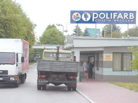Polifarb ma dwa zakłady w Cieszynie i we Wrocławiu. Zatrudnia w nich 1.350 osób.  Wojciech Trzcionka