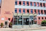 Tajemnicza śmierć w łęczyckim szpitalu. Młody mężczyzna wyskoczył z okna lecznicy